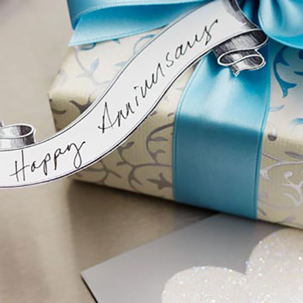 anniversary-gift-ideas-600x600